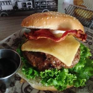 las mejores hamburguesas de medellin grill station